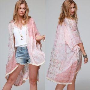 TAKE ME AWAY Blush Kimono